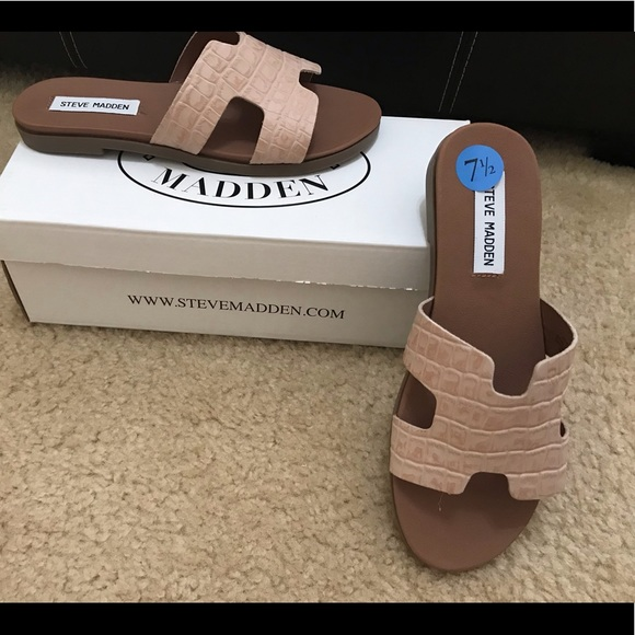 f626932a122 Steve Madden Harriet Pink Croco Sandals NWT